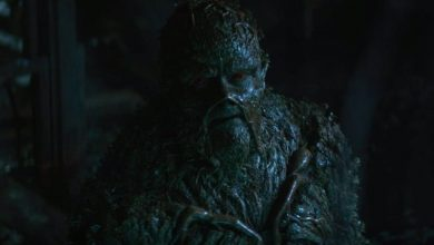 """Photo of Swamp Thing """"Worlds Apart"""" Review"""