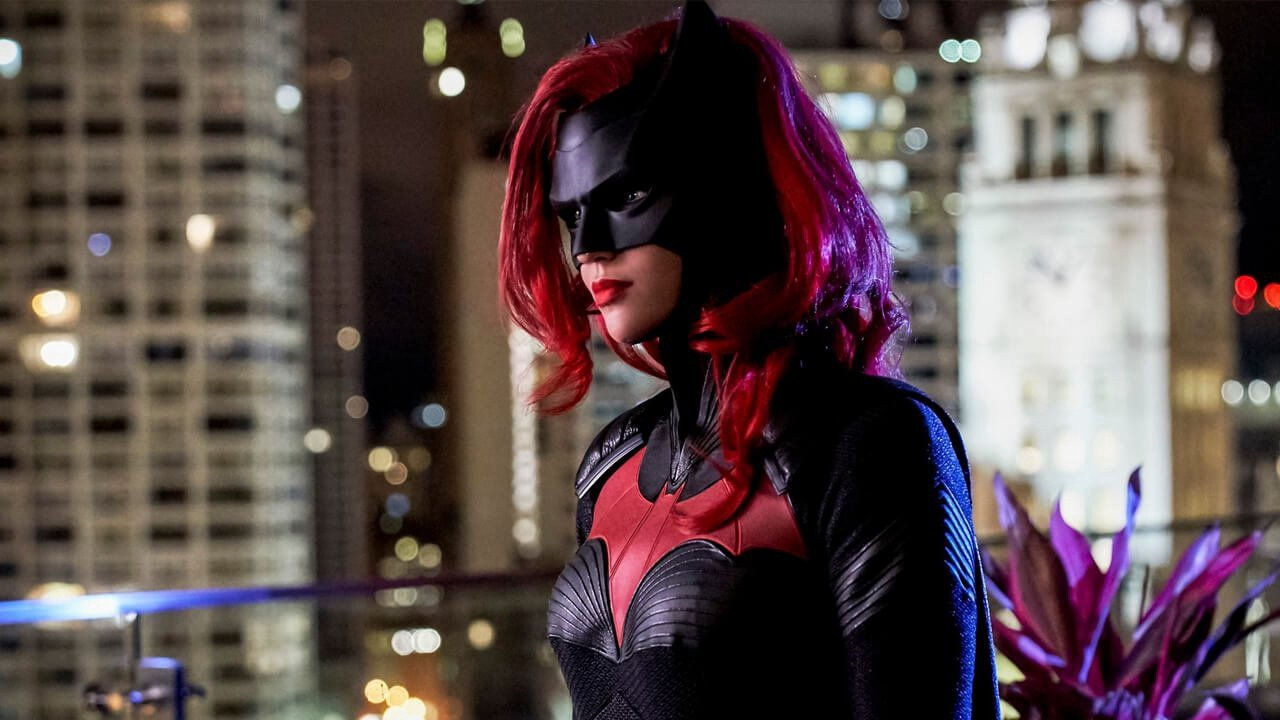 """Photo of Batwoman """"Who Are You"""" Review"""